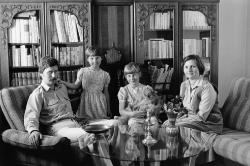 Christian Borchert. Familie K. (Gynäkologe, Zahnärztin), Cottbus 1983
