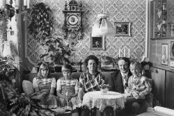Christian Borchert. Familie H. (Raumpflegerin, Dispatcher), Hoyerswerda, 1983