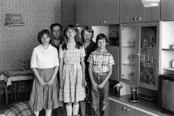 Christian Borchert. Familie W. (Transportpolizist, Montiererin), Berlin-Lichtenberg, 1983