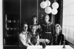 Christian Borchert. Familie M. (Diplomingenieur für Elektrotechnik, Stenotypistin/Ökonomin), Cottbus, 1983