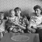 Familie B. (Angestellte, Sachbearbeiter), Dresden, 1983